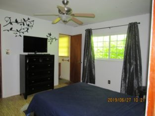 Room with 1/2 Bath for rent in Private home